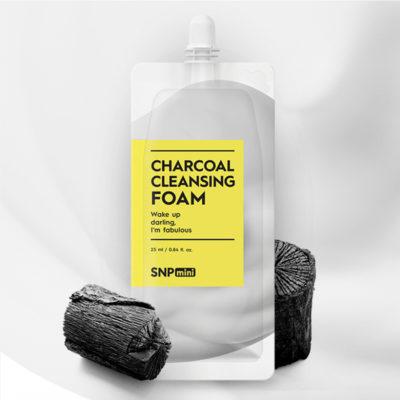 Sữa Rửa Mặt Than Hoạt Tính Mini SNP Charcoal cleansing Foam